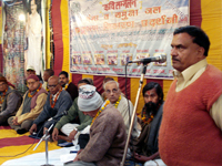 The convever welcomed the poets during Kavi Sammelan