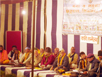 Ganga Exhibition  - Poets arous the sentiments of local people to come forward in effort to save Gan